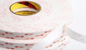 3M 4945 Cinta acrílica resistente a plastificantes 12 x 32.9 MT