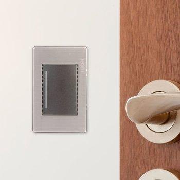 Placa 1 Apagador Sencillo Anodizado marca Lucek mod. BP01MA