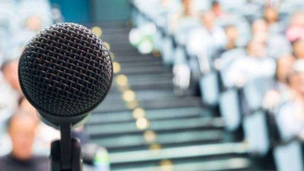 Técnicas de hablar en público para jóvenes