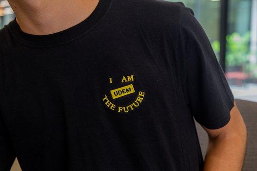 Playera I AM THE FUTURE